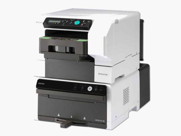 ricoh ri 100 rh100 front 600x450 - RICOH Ri 100, CMYK (4C)